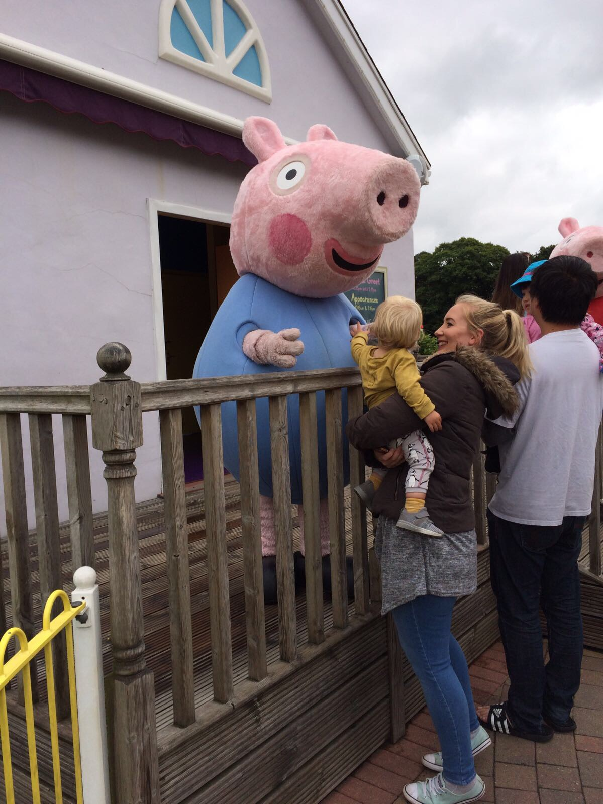 paultons park meeting peppa!