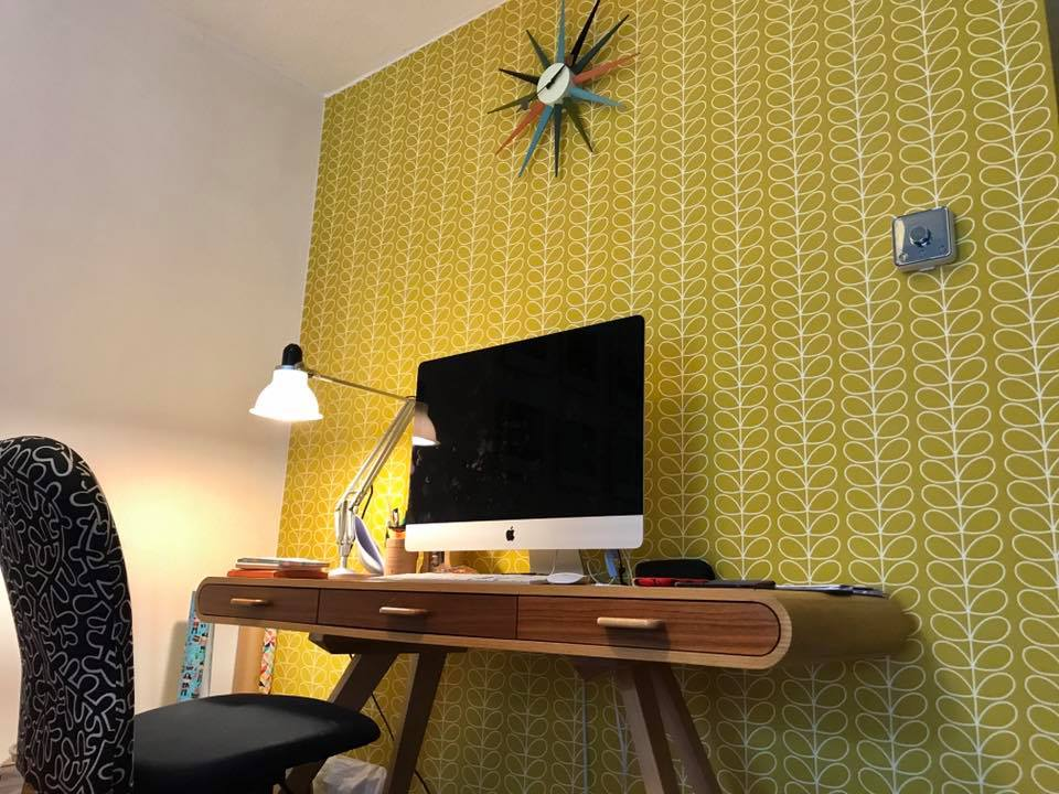 feature wall retro
