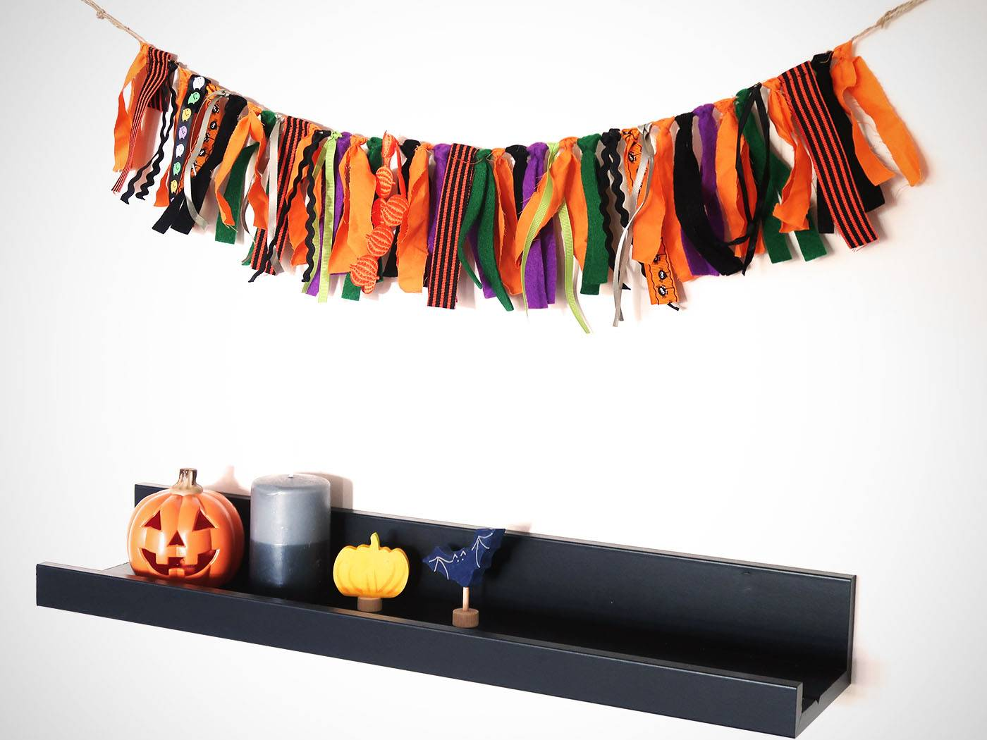 DIY-Halloween-Garland arts and crafts