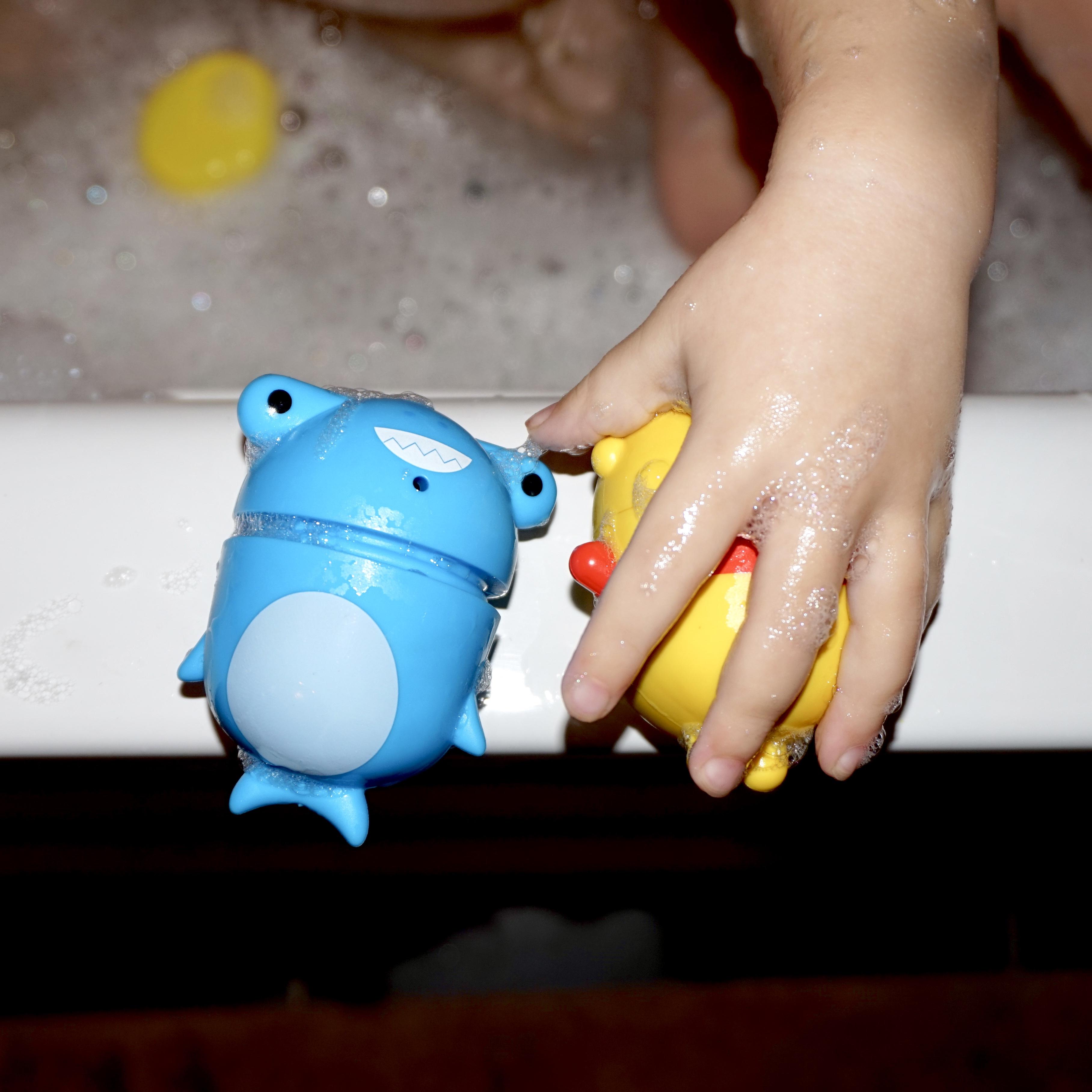 munchkin bath squirters