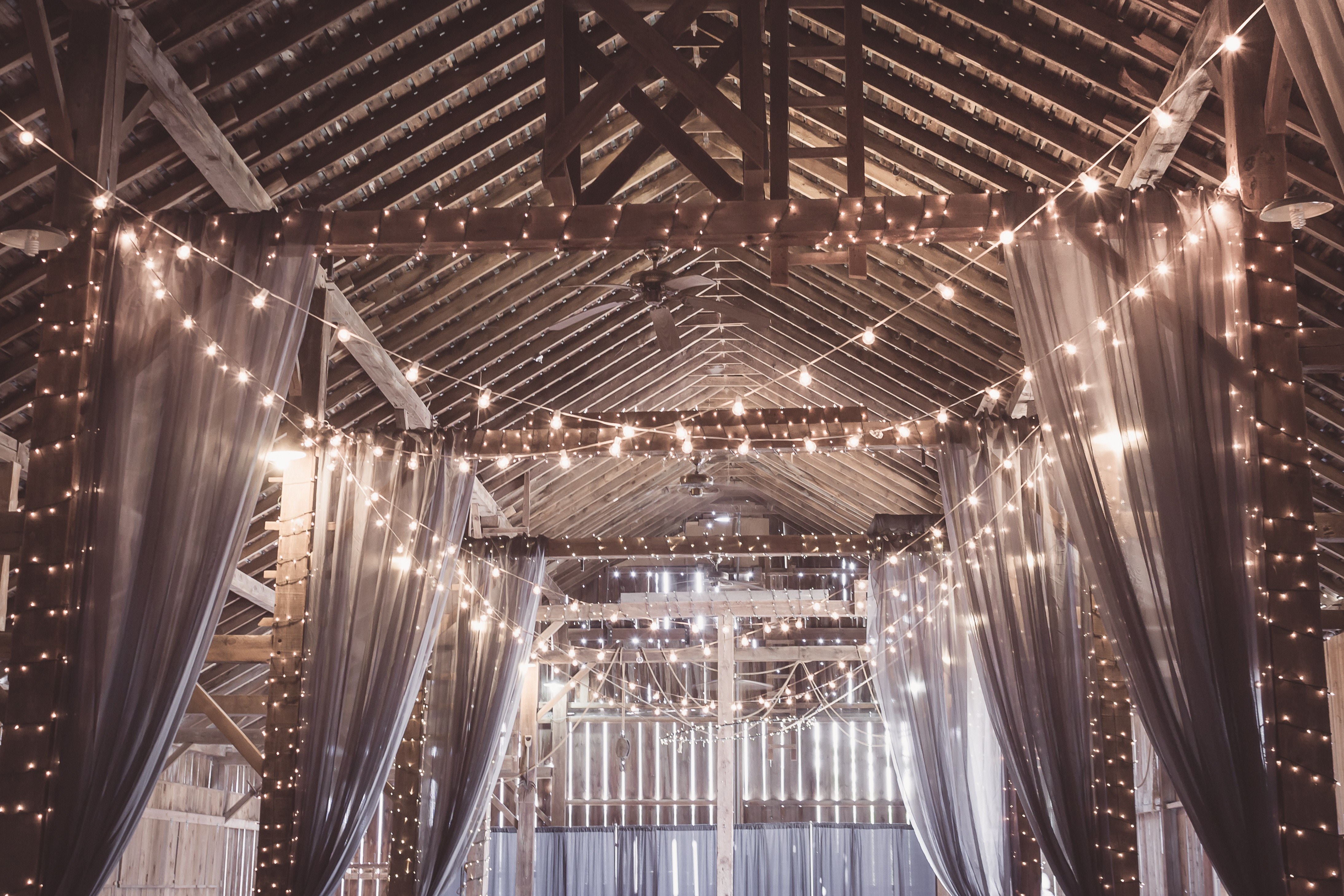 How To Pull Off A Wedding At Christmas Time